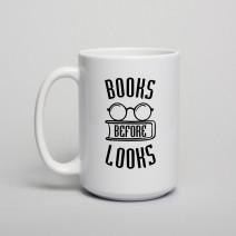 "Кружка ""Books before looks"""